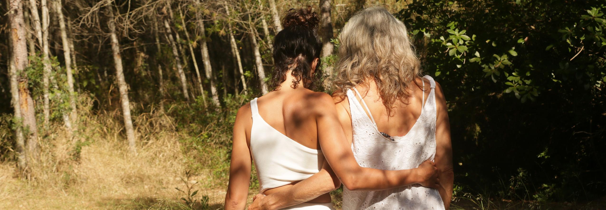 Supplement-Guide-Women-Hugging